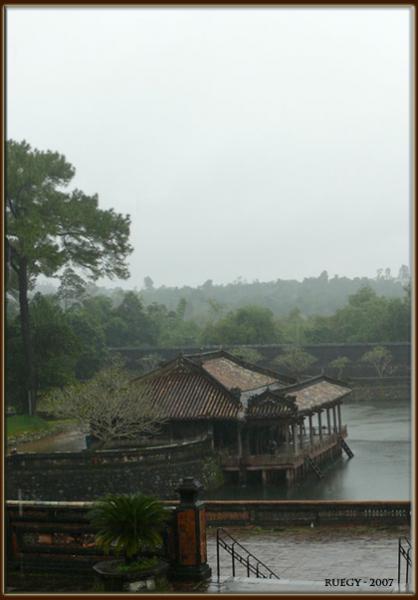 Quand reviendra l'arc-en-ciel dans Le port vietnam20071